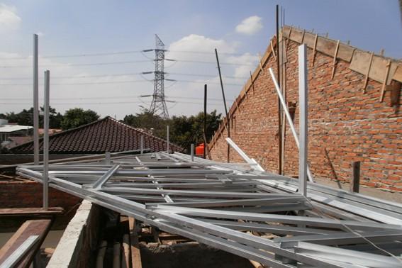 Kemiringan atap rumah kontruksi atap baja ringan 2020